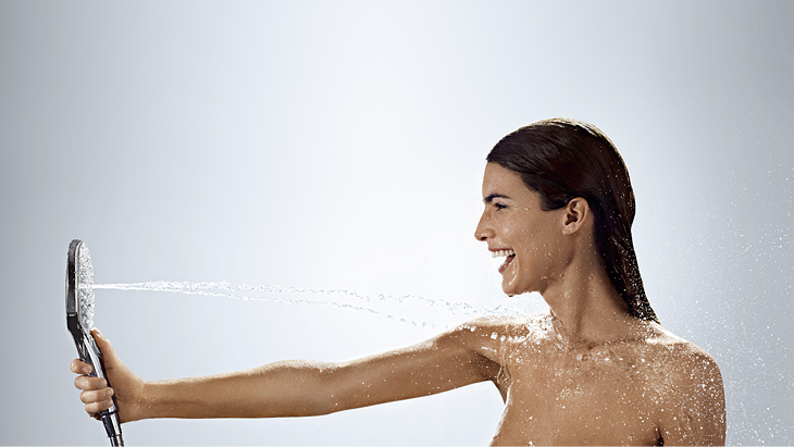 hg_hand-shower-select-whirl-with-woman__730x411
